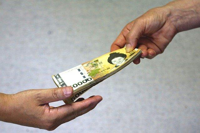 předávání peněz